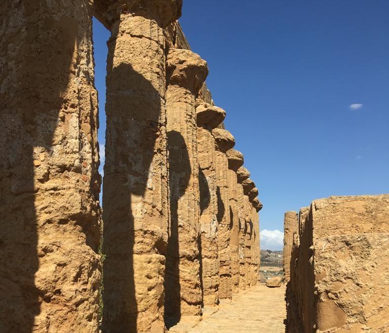 tempio di Hera Lacinia - L'area del saggio all'interno del tempio