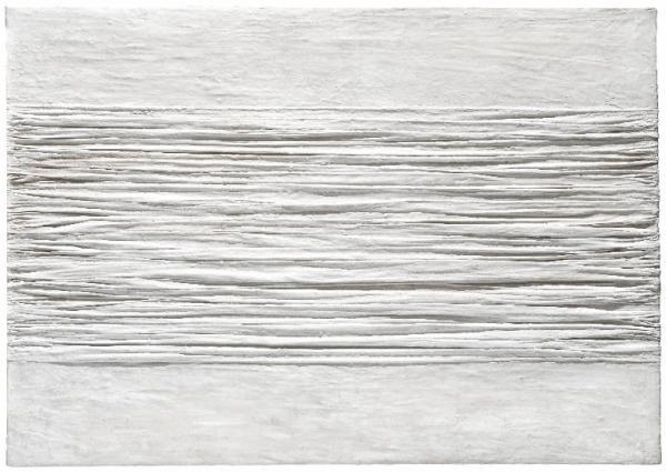 Manzoni, Piero, Achromes - post 1958, caolino; tela grinzata, cm 100 x 70 - © Gallerie d'Italia. Gallerie d'Italia di Piazza della Scala