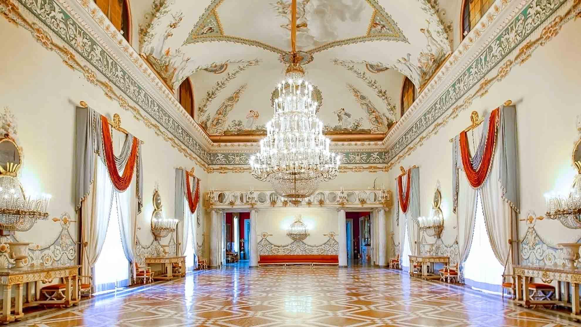 """Salone delle feste. """"Courtesy Museo e Real Bosco di Capodimonte"""""""