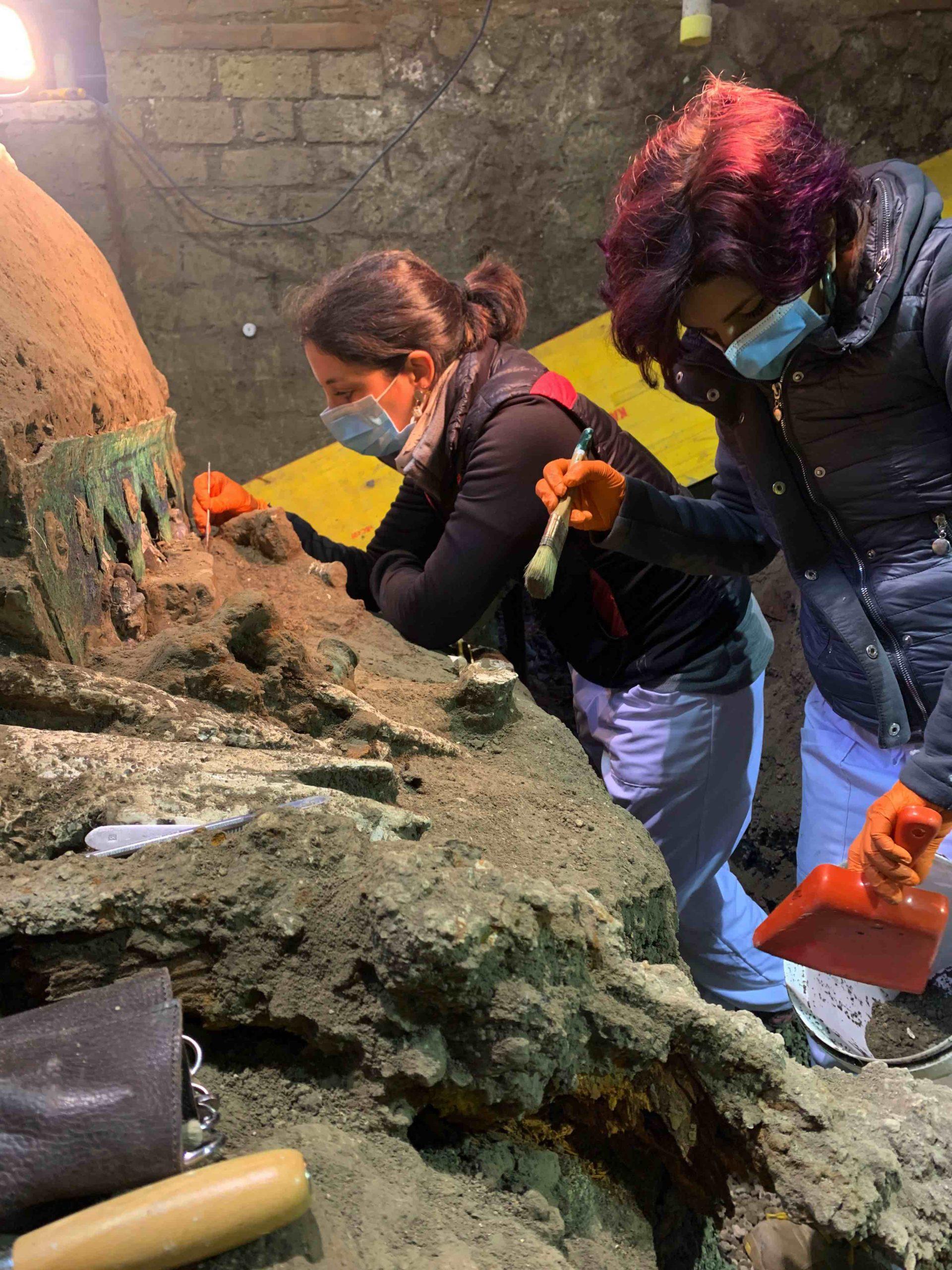 Carro da parata - restauro foto del Parco archeologico di Pompei (1)